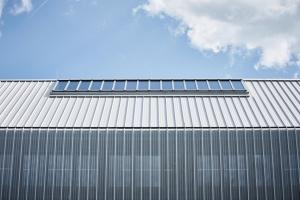 Deutsche Flugsicherung in Kaufbeuren, Kalzip Dach und Fassade